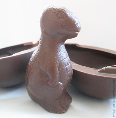 Niagara Milk Chocolate Dinosaur Egg Review | chocolateenmasse.com